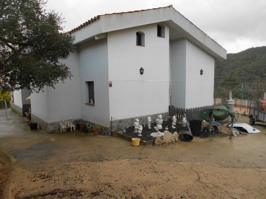 Imagen 2 Casa Rústica en venta en Lloret De Mar / Masies de Lloret, 5.000 m² de Parcela con piscina