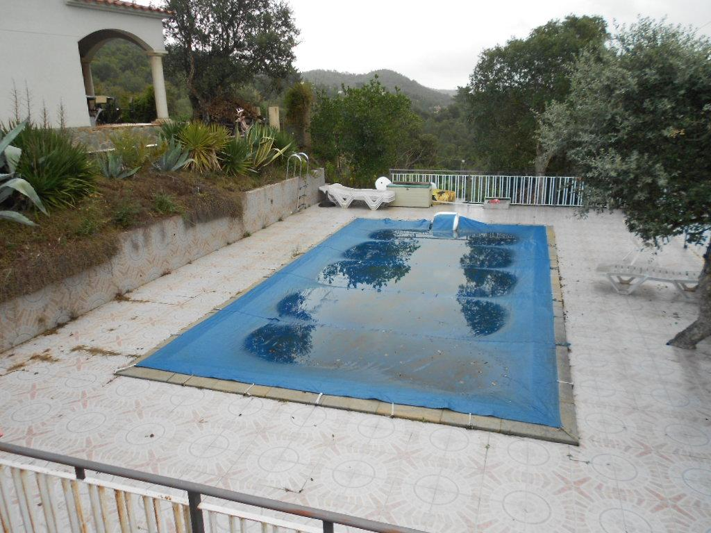 Imagen 3 Casa Rústica en venta en Lloret De Mar / Masies de Lloret, 5.000 m² de Parcela con piscina