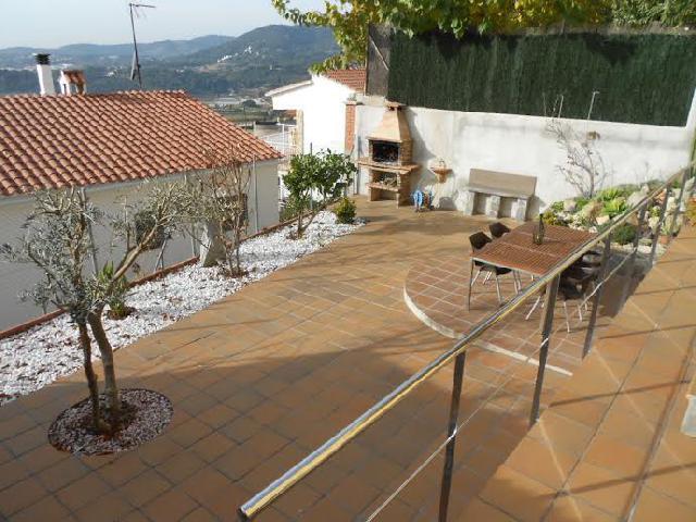 Imagen 1 Inmueble 146193 - Casa Aislada en venta en Pineda De Mar / Urbanización Pinemar