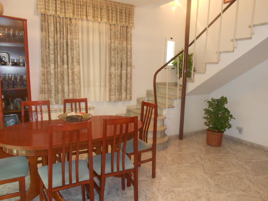 Imagen 4 Casa Adosada en venta en Pineda De Mar / Cerca plaza de la Pagesia