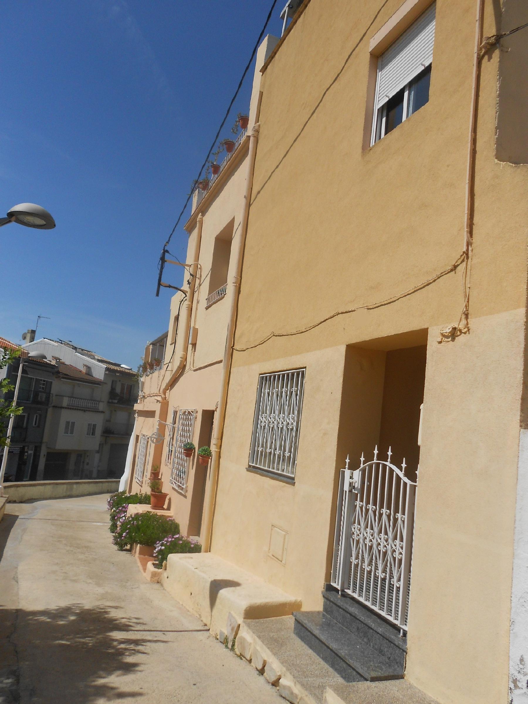 Imagen 1 Casa Adosada en venta en Pineda De Mar / Centro cerca de La Iglesia
