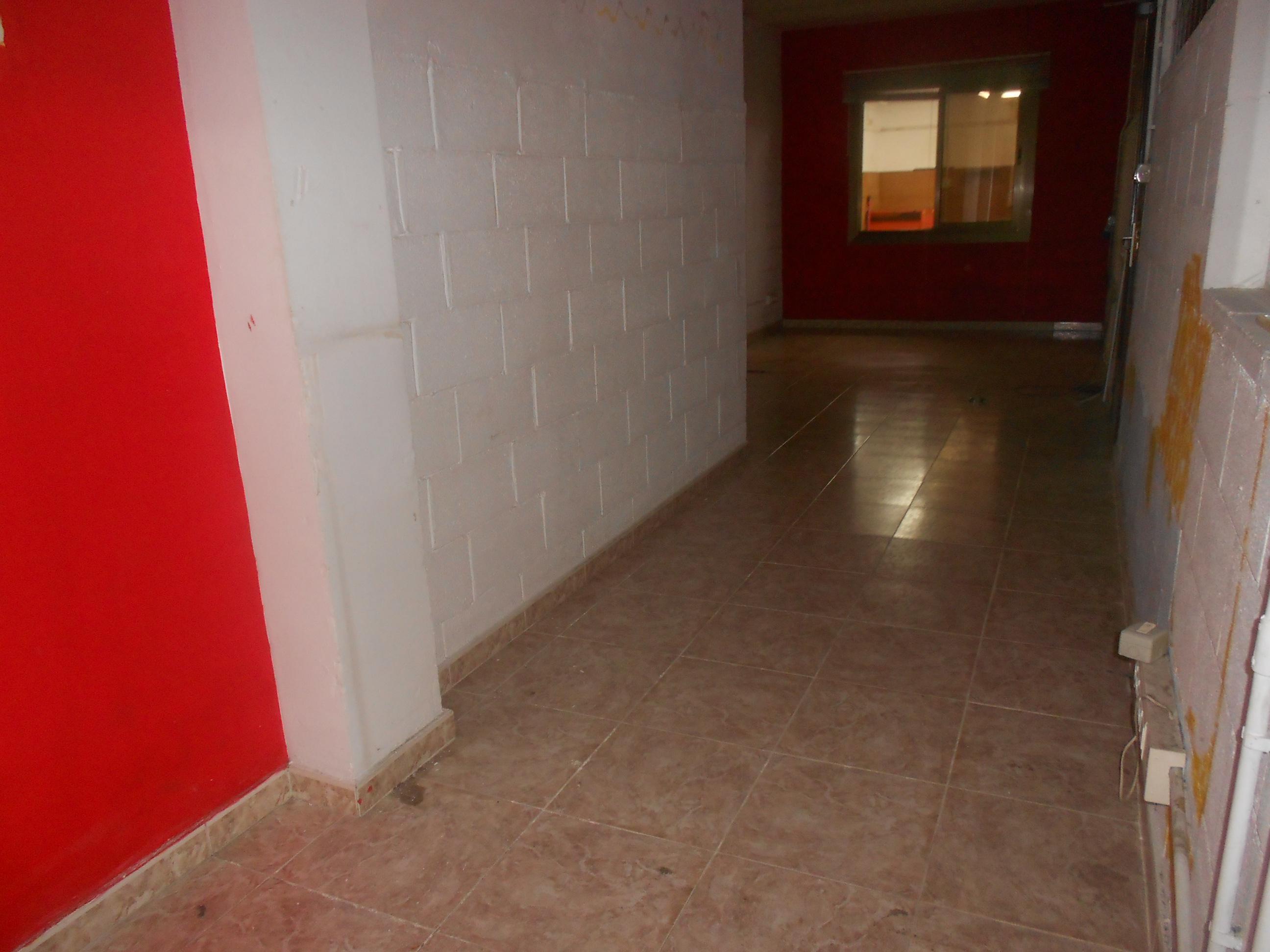 Imagen 3 Local Comercial en venta en Malgrat De Mar / Centro, comercio o garaje