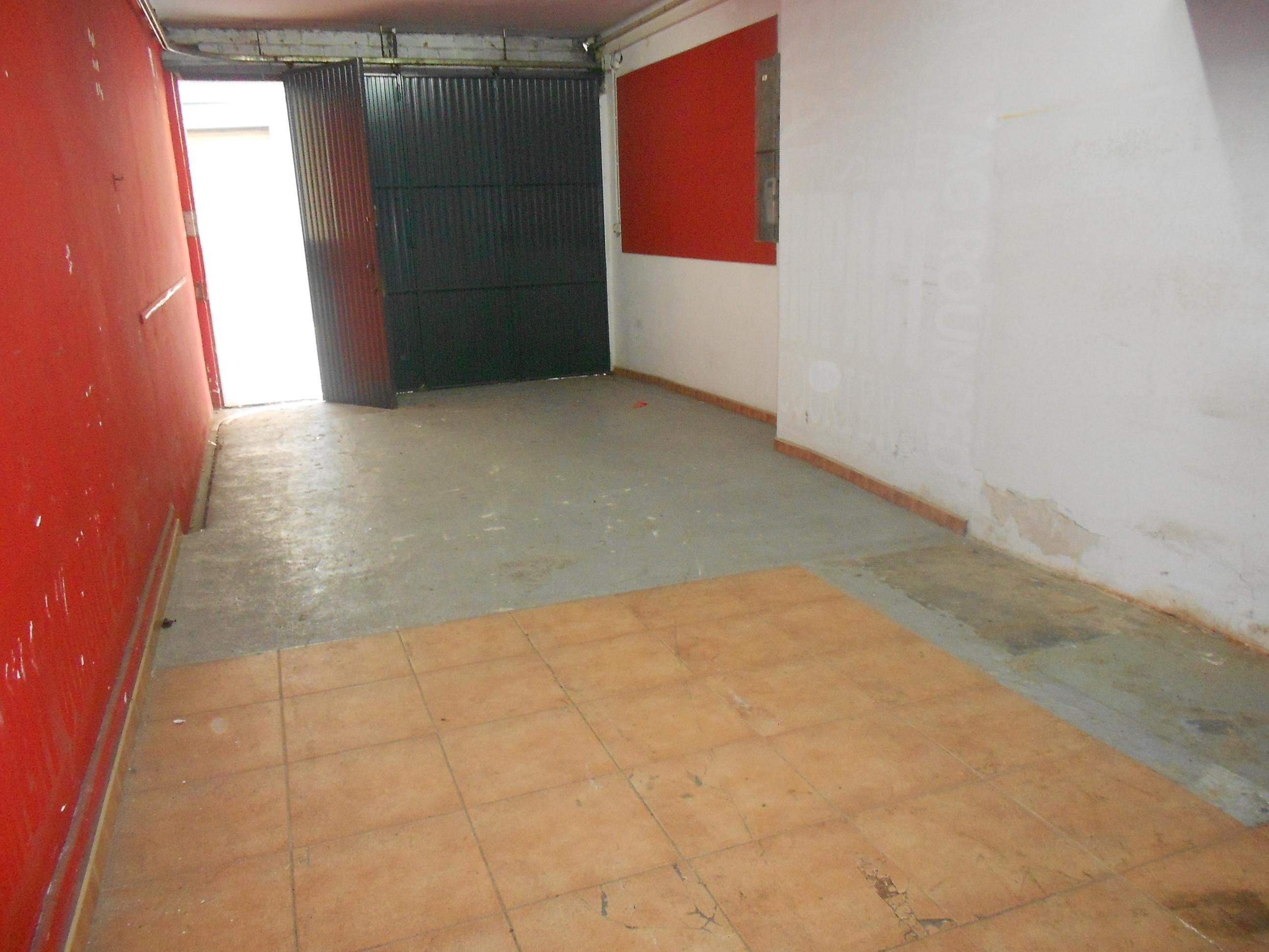 Imagen 1 Local Comercial en venta en Malgrat De Mar / Centro, comercio o garaje