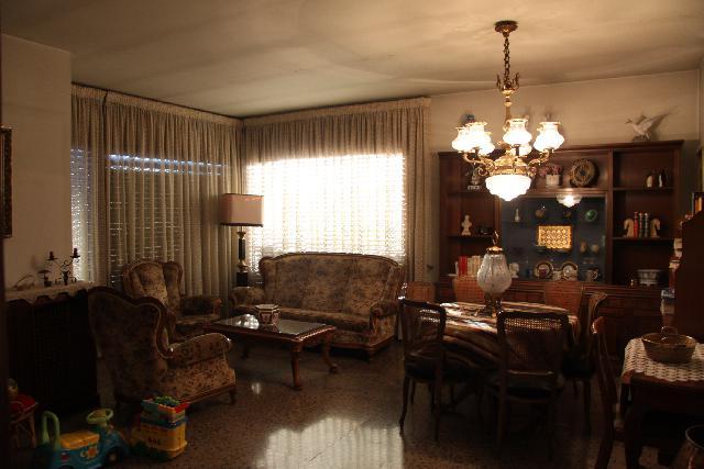 Imagen 1 Inmueble 107778 - Casa Adosada en venta en Terrassa / Junto estación F Generalitat