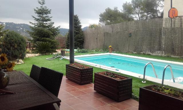 Imagen 1 Inmueble 154506 - Casa Aislada en venta en Matadepera / Les Pedritxes Junto carretera