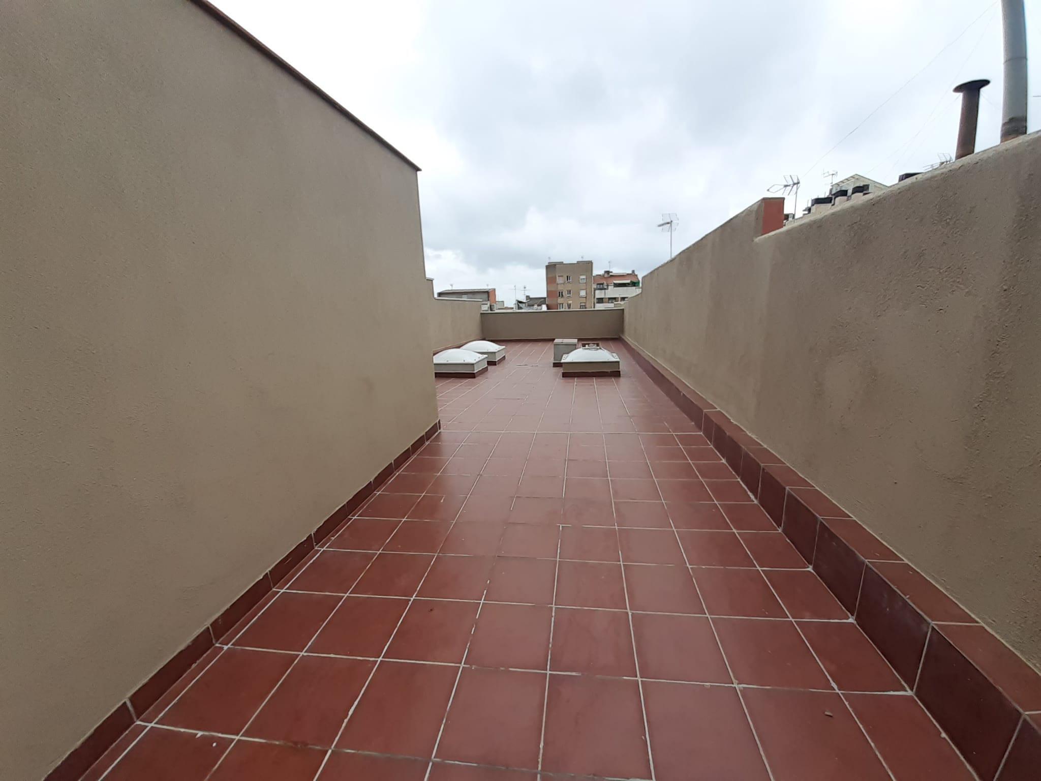 Imagen 2 Casa Pareada en venta en Terrassa / Junto Avinguda Bejar