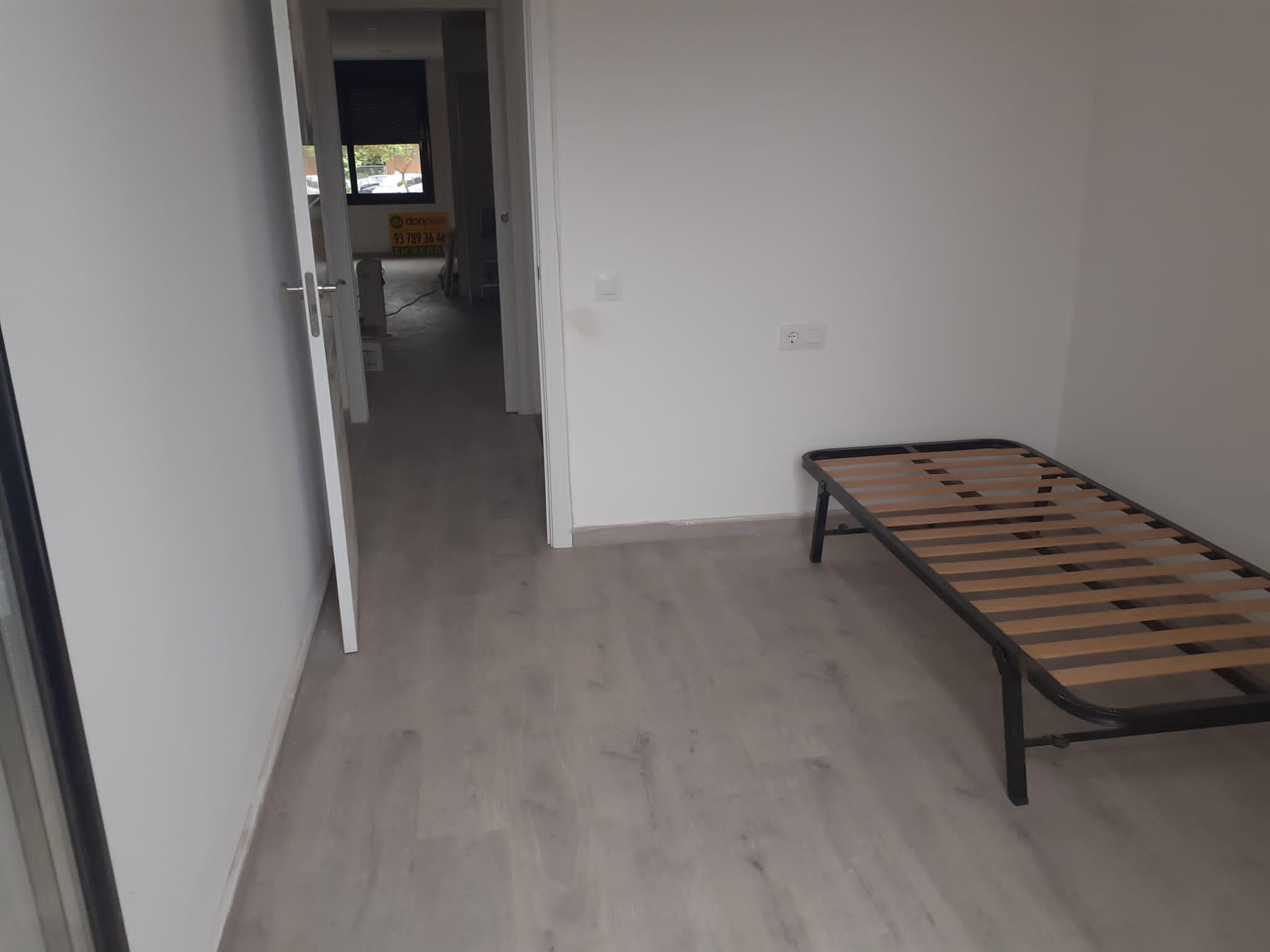 Imagen 3 Casa Pareada en venta en Terrassa / Junto Avinguda Bejar