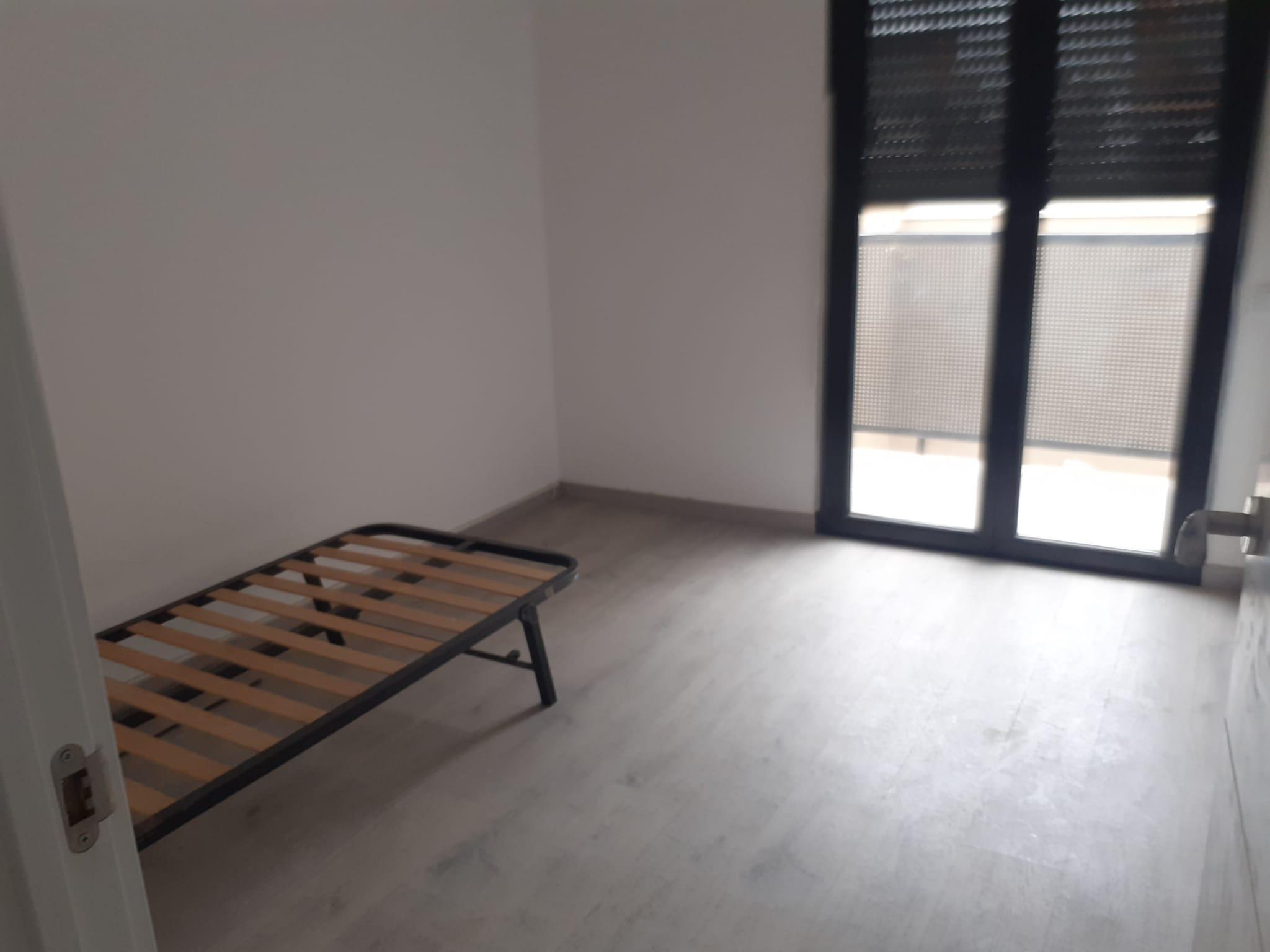 Imagen 4 Casa Pareada en venta en Terrassa / Junto Avinguda Bejar
