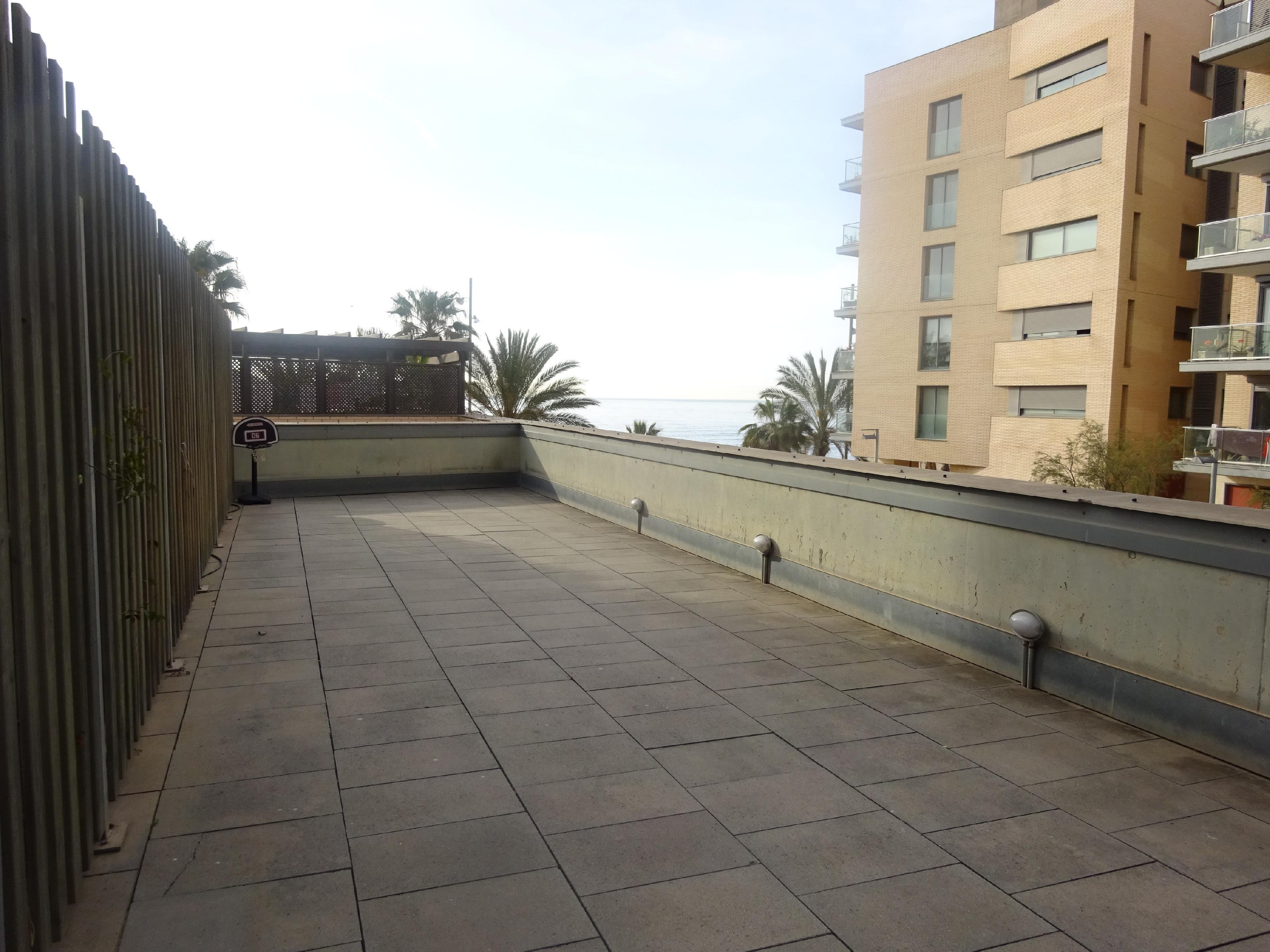 Imagen 2 Piso en venta en Badalona / Front Marítim, vivienda situada en 1ra. Linea de Mar.