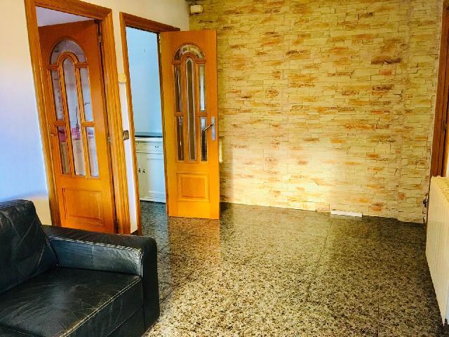 Imagen 1 Inmueble 142182 - Piso en alquiler en Badalona / Junto Rambla de Sant Joan y 10 minutos del metro Centro