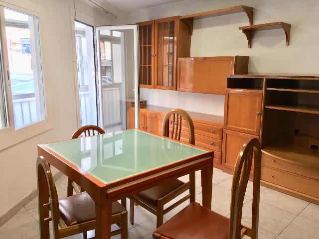 Imagen 1 Inmueble 215512 - Apartamento en venta en Badalona / Cerca Metro La Salud  y próximo al Mercado