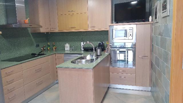 Imagen 1 Inmueble 238380 - Casa en venta en Badalona / Sant Crist, casa de 3 plantas con terraza