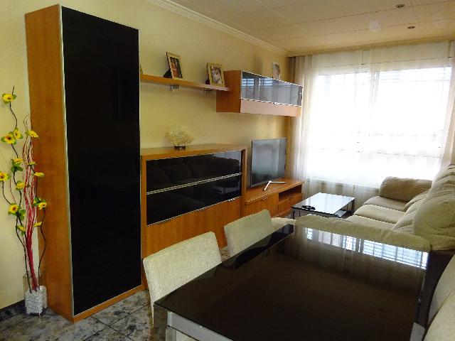 Imagen 1 Inmueble 238677 - Piso en venta en Badalona / Próximo al centro Badalona