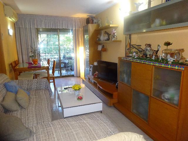 Imagen 1 Inmueble 245532 - Piso en venta en Badalona / Junto Av. Itàlia y metro Fondo