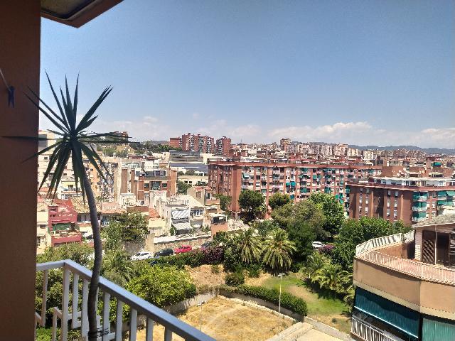 Imagen 1 Inmueble 251849 - Piso en venta en Badalona / Junto Metro Artigues / Sant Adrià