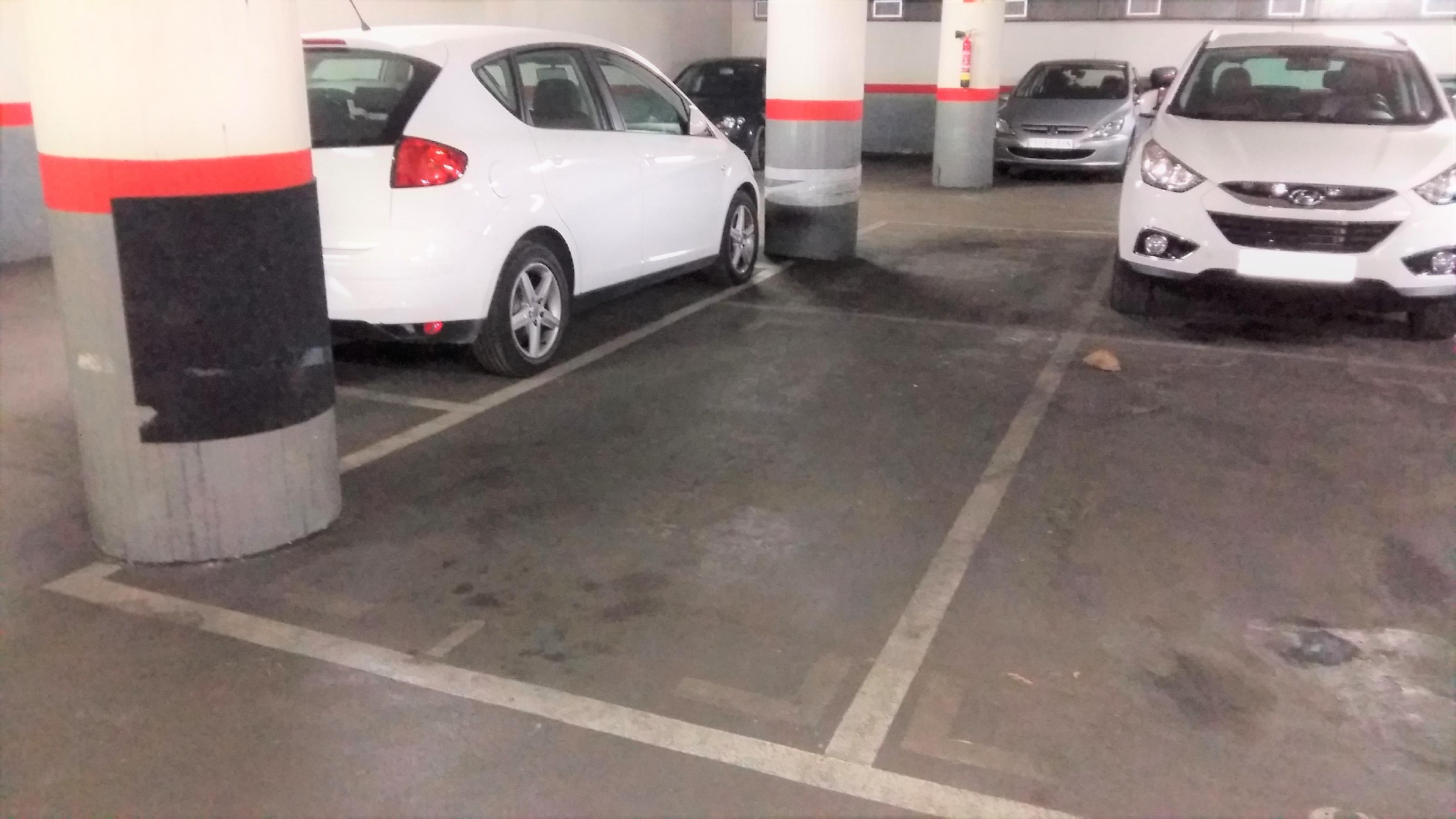 Imagen 1 Parking Coche en venta en Barcelona / Providencia - Secretari Coloma