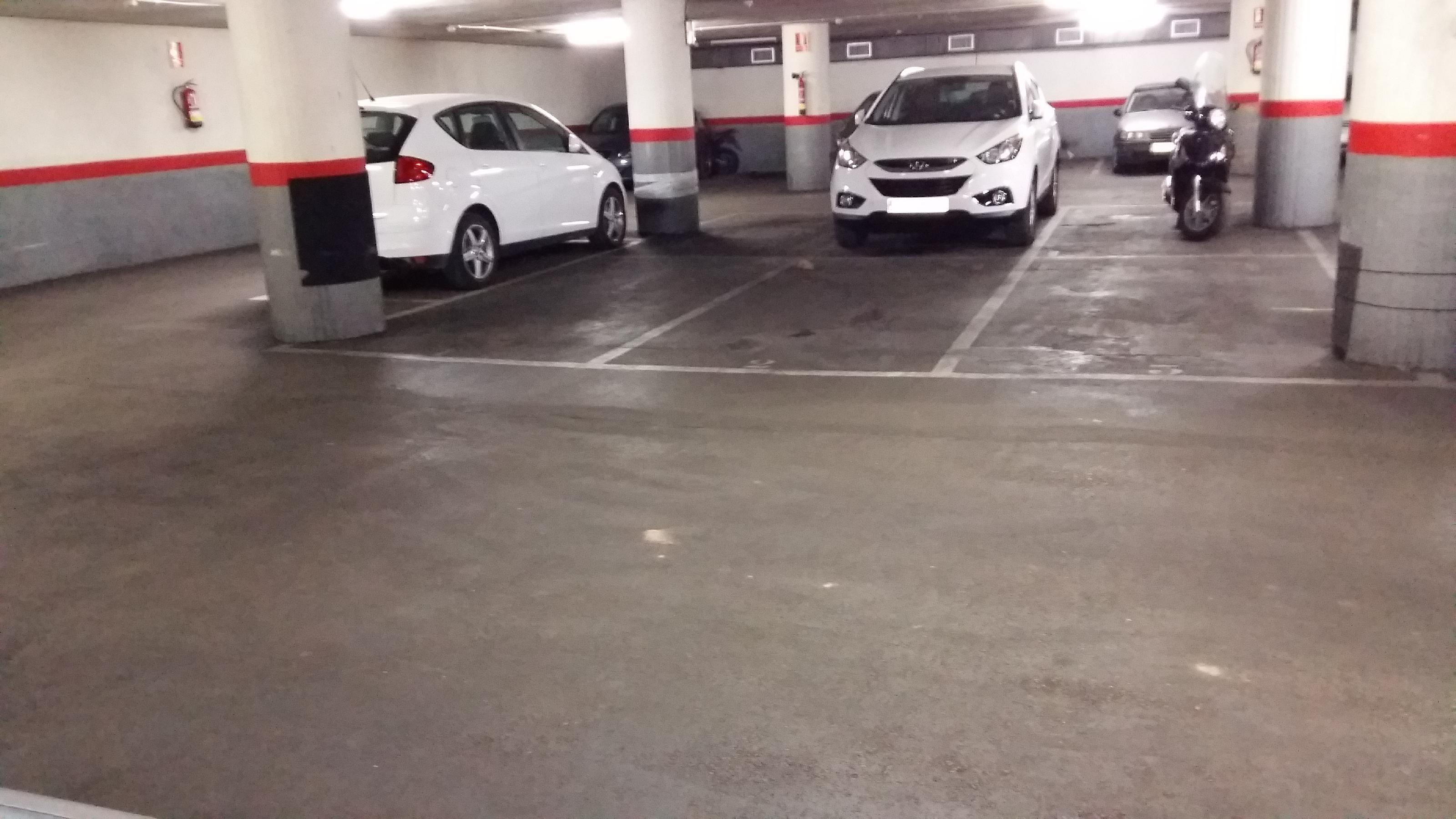 Imagen 2 Parking Coche en venta en Barcelona / Providencia - Secretari Coloma