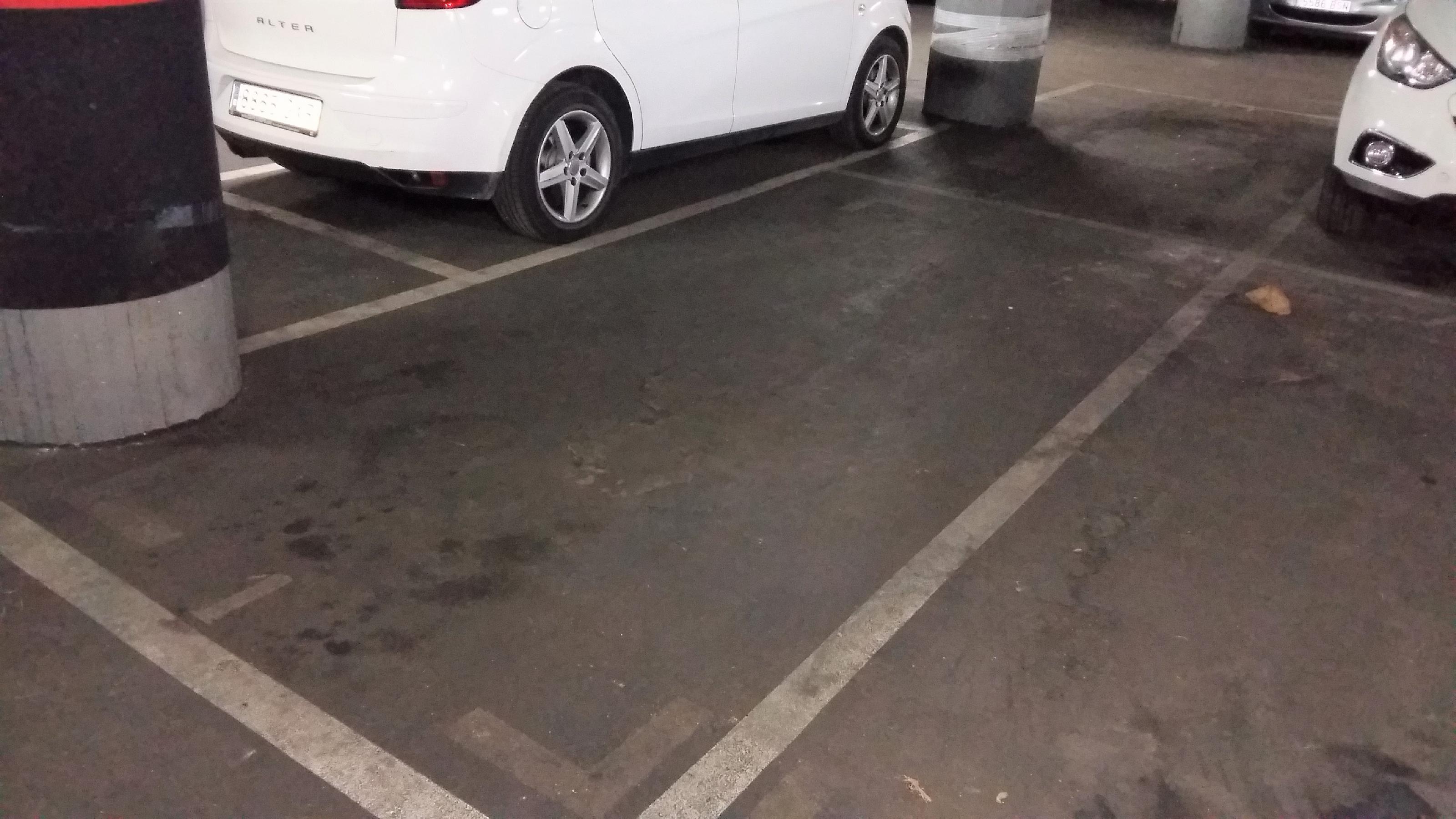 Imagen 3 Parking Coche en venta en Barcelona / Providencia - Secretari Coloma