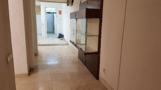 Imagen 1 Inmueble 211719 - Local Comercial en alquiler en Barcelona / Junto Via Augusta