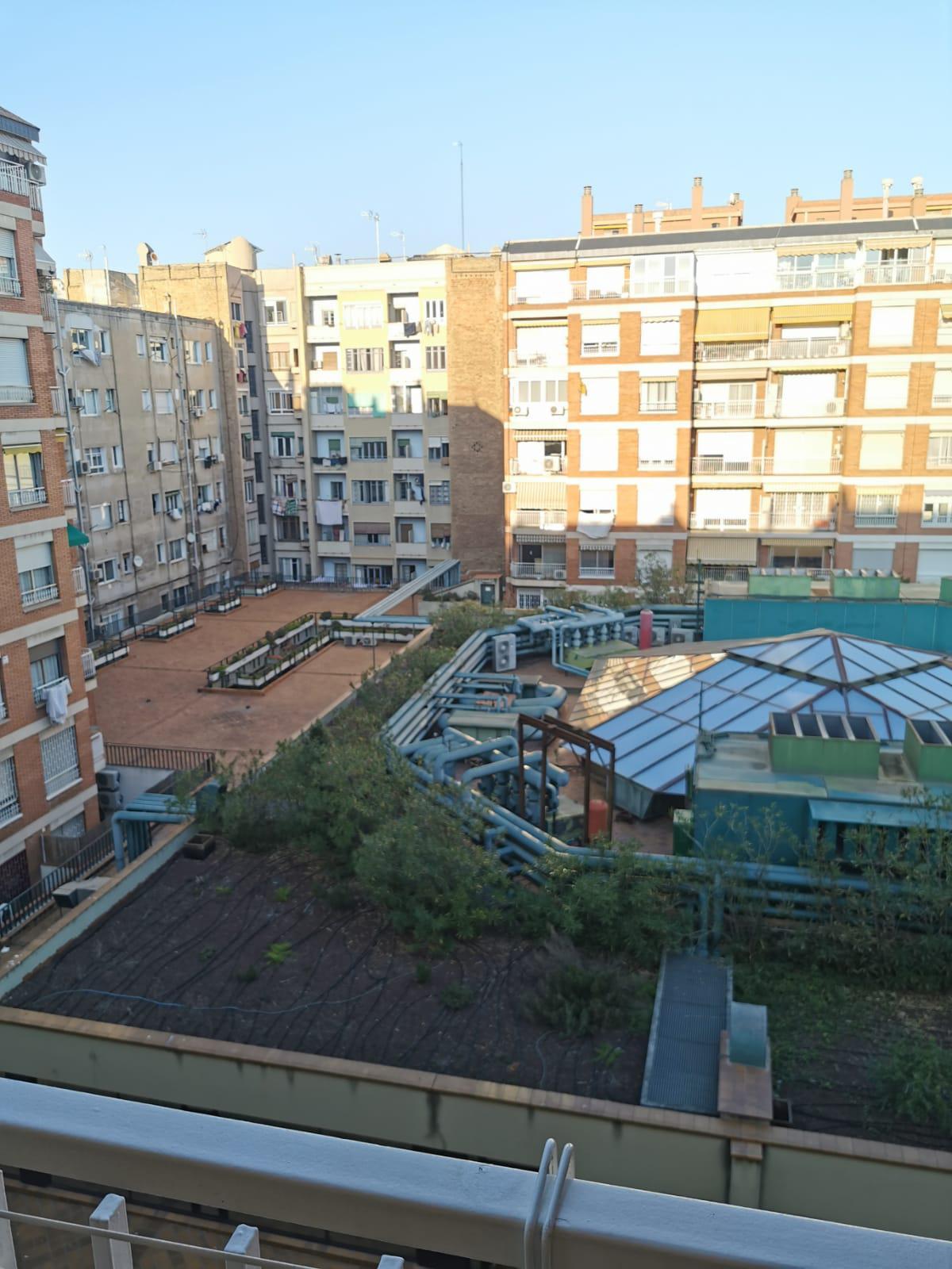 Imagen 4 Piso en venta en Barcelona / Rocafort - Consell de Cent