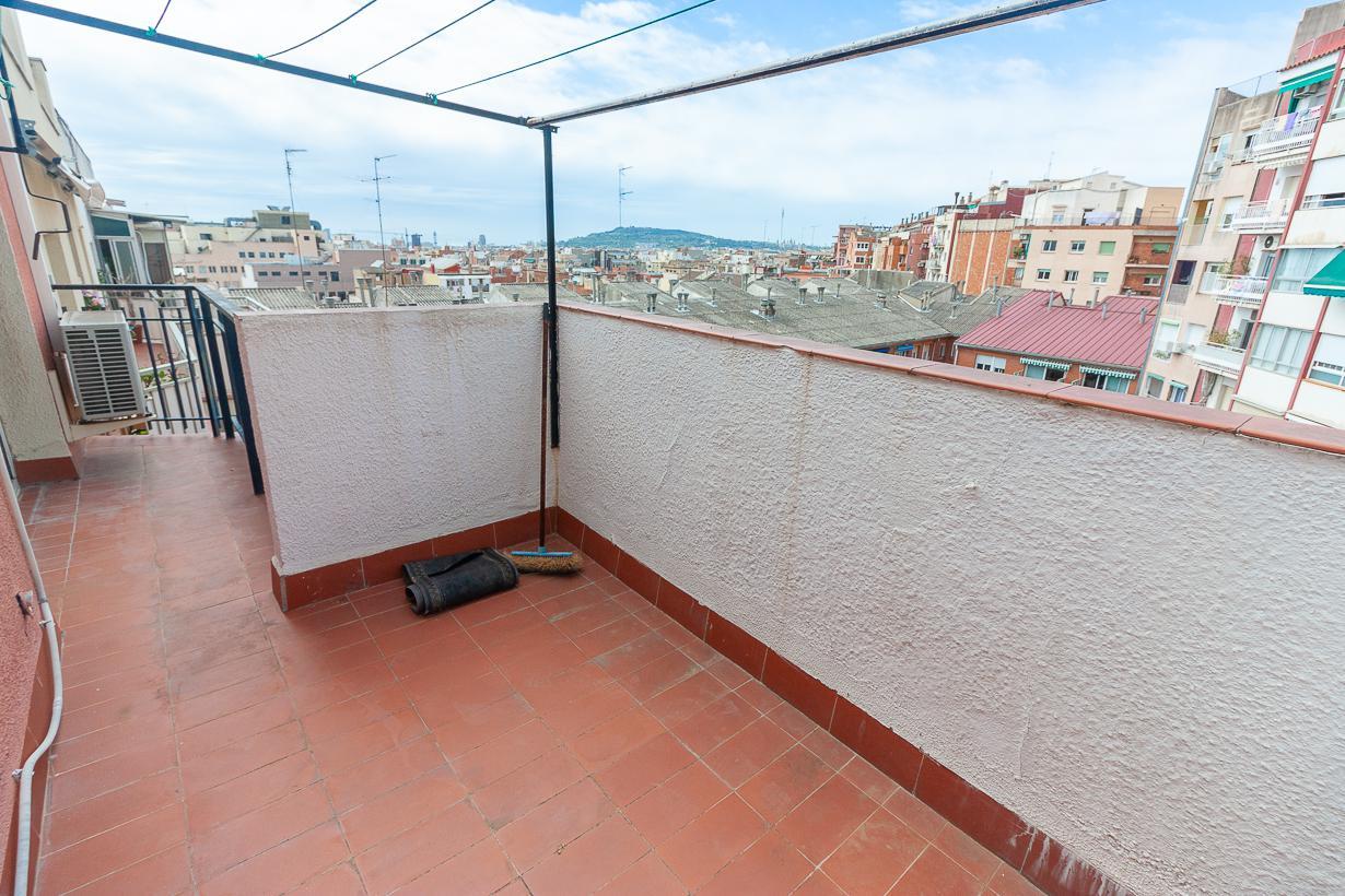 Imagen 2 Ático en venta en Barcelona / Zona Plaça Joanic