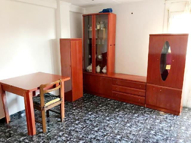 Imagen 1 Inmueble 202507 - Piso en alquiler en Barcelona / Cristóbal de Moura - Rambla Prim
