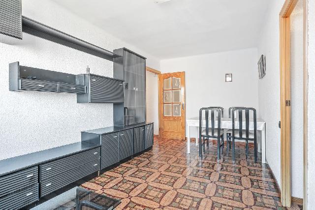 Imagen 1 Inmueble 243093 - Piso en venta en Barcelona / Rambla Prim - Pujades