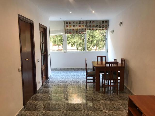 Imagen 1 Inmueble 243702 - Piso en alquiler en Barcelona / Carrer Tarba - Carrer Bernat Desclot (08019)