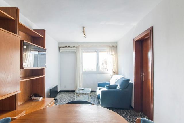 Imagen 1 Inmueble 249512 - Piso en alquiler en Barcelona / Plaça Jaume Huguet - Rambla Prim  (08019)