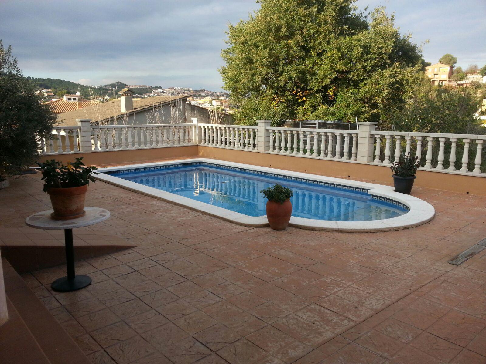 Piscina sant joan despi beautiful kenburns with piscina for Piscina can mercader
