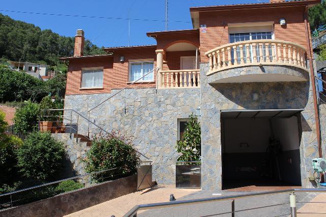 Imagen 1 Inmueble 208625 - Casa en venta en Santa Coloma De Cervelló / Urbanización Cesalpina