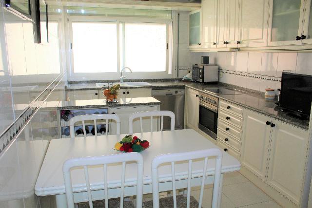 Imagen 1 Inmueble 226024 - Casa Adosada en venta en Sant Boi De Llobregat / Muy próxima al Ayuntamiento y estación de...