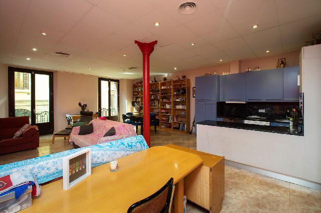 Imagen 1 Inmueble 228942 - Piso en venta en Barcelona / Junto mercado Santa Caterina