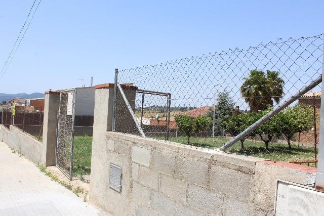 Imagen 1 Inmueble 227798 - Solar Urbano en venta en Rubí / Urbanización Can Serrafosá, parada del autobús, colegio