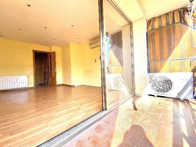 Imagen 1 Inmueble 232901 - Piso en venta en Rubí / Plaza progreso, muy cerca de la estacion.