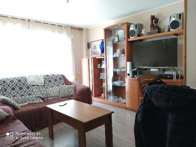 Imagen 1 Inmueble 244333 - Piso en venta en Rubí / En Plaza del Progrés, a 5 minutos del Cap.