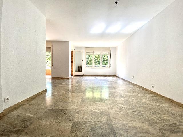 Imagen 1 Inmueble 248966 - Piso en venta en Rubí / En zona Mercat-Ribas a 5 minutos del Centro.