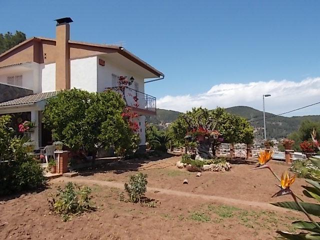 159335 - Junto Colegio L�Olivera (Vallirana)