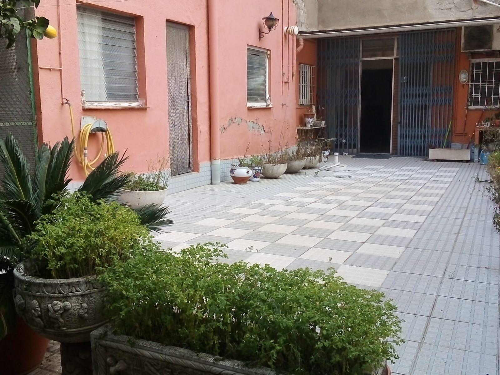 218528 - Junto Centre Cívic Les Tovalloles (S. Feliu)
