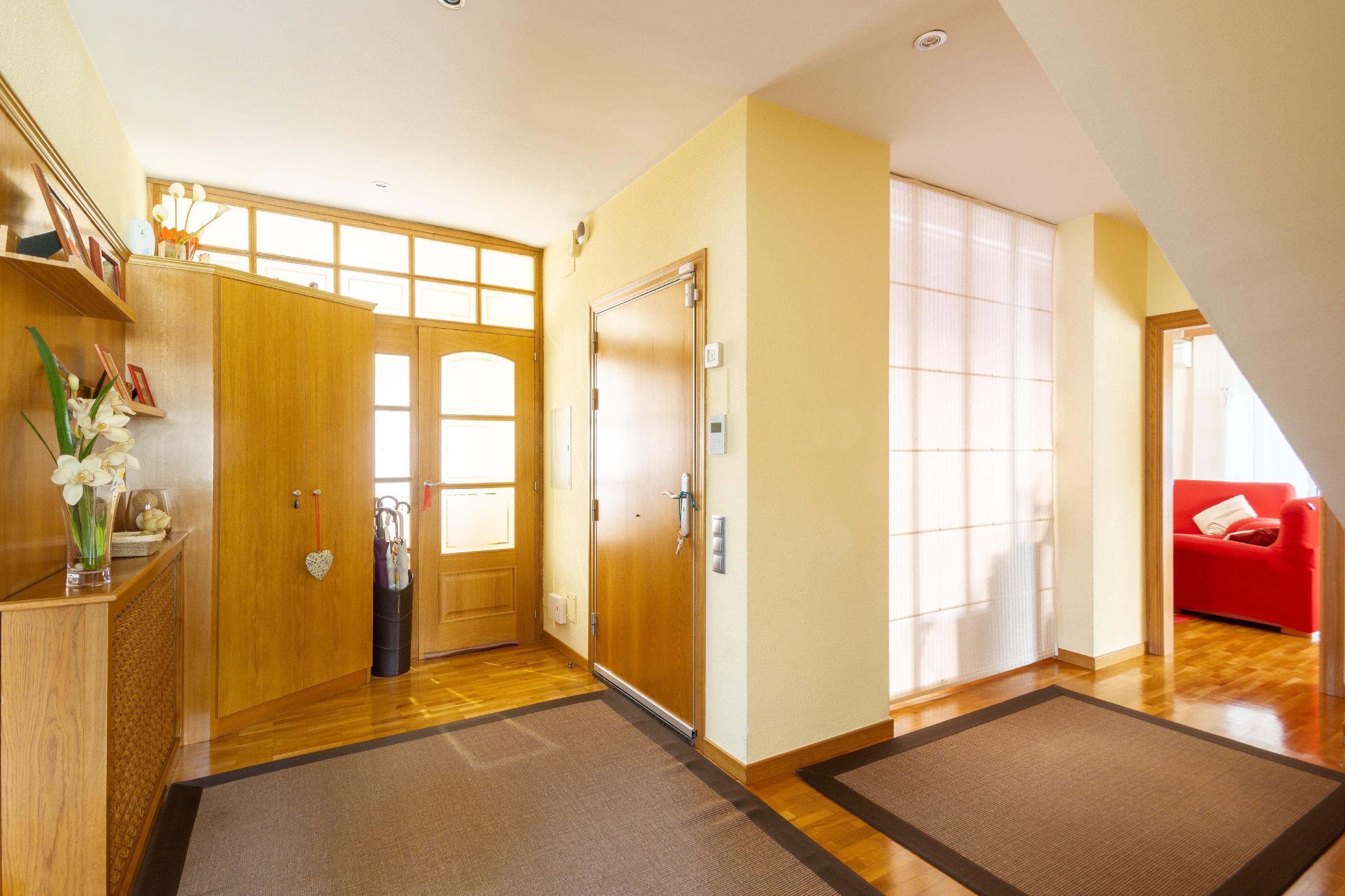 Imagen 3 Casa en venta en Molins De Rei / Próximo al colegio Alzina Molins