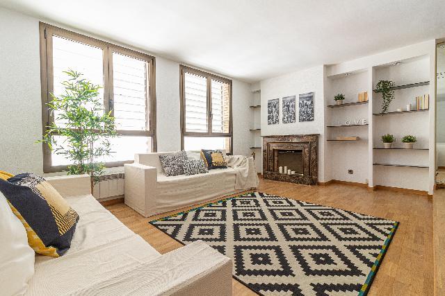 Imagen 1 Inmueble 250759 - Casa en venta en Molins De Rei / En pleno centro de Molins de Rei. Zona peatonal
