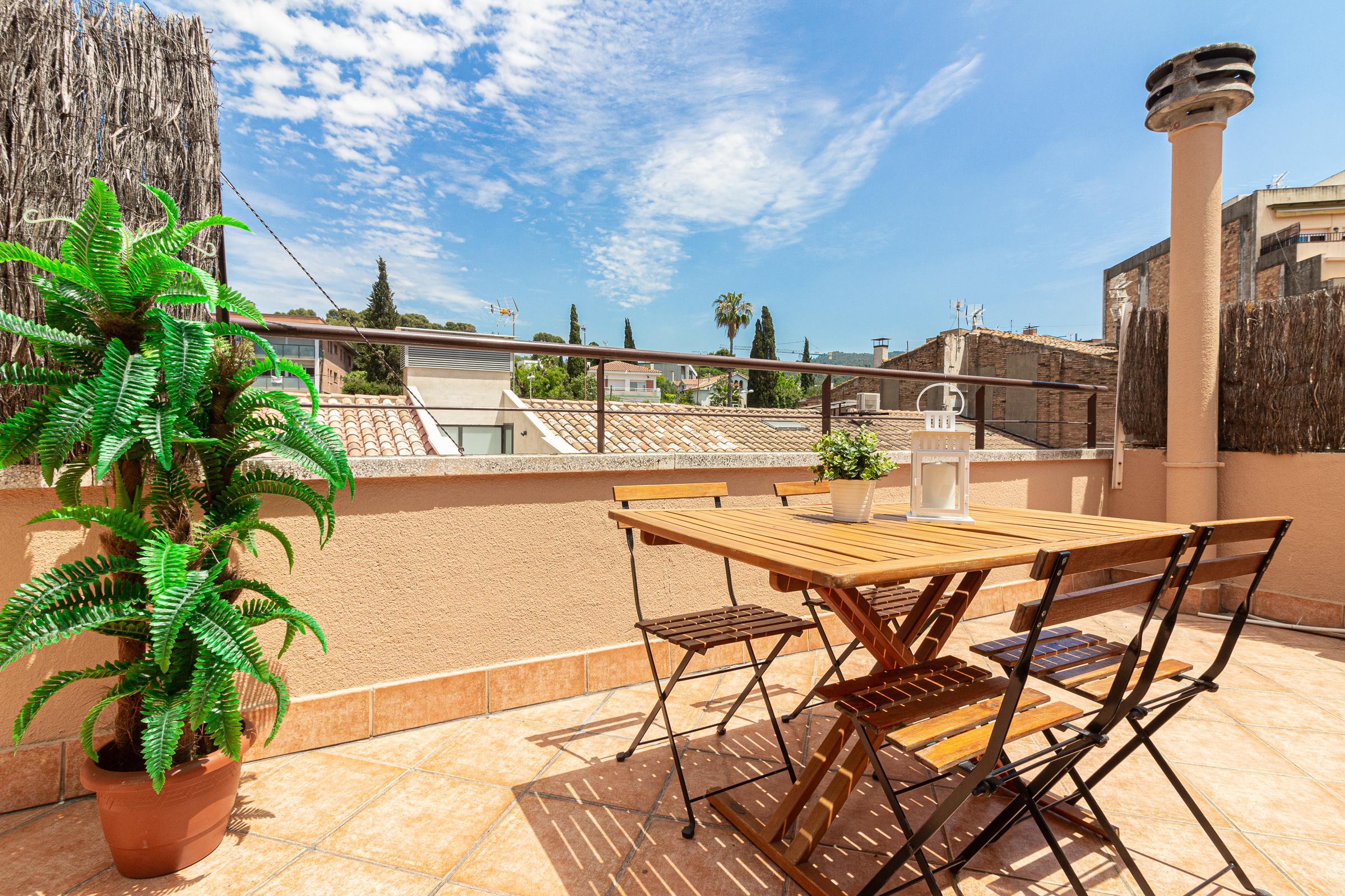 Imagen 3 Casa Adosada en venta en Molins De Rei / En pleno centro de Molins de Rei. Zona peatonal