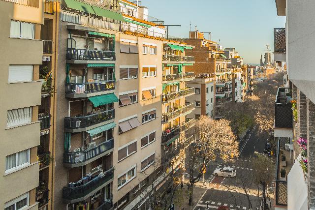 Imagen 1 Inmueble 197248 - Piso en venta en Barcelona / Junto Pi i Margall
