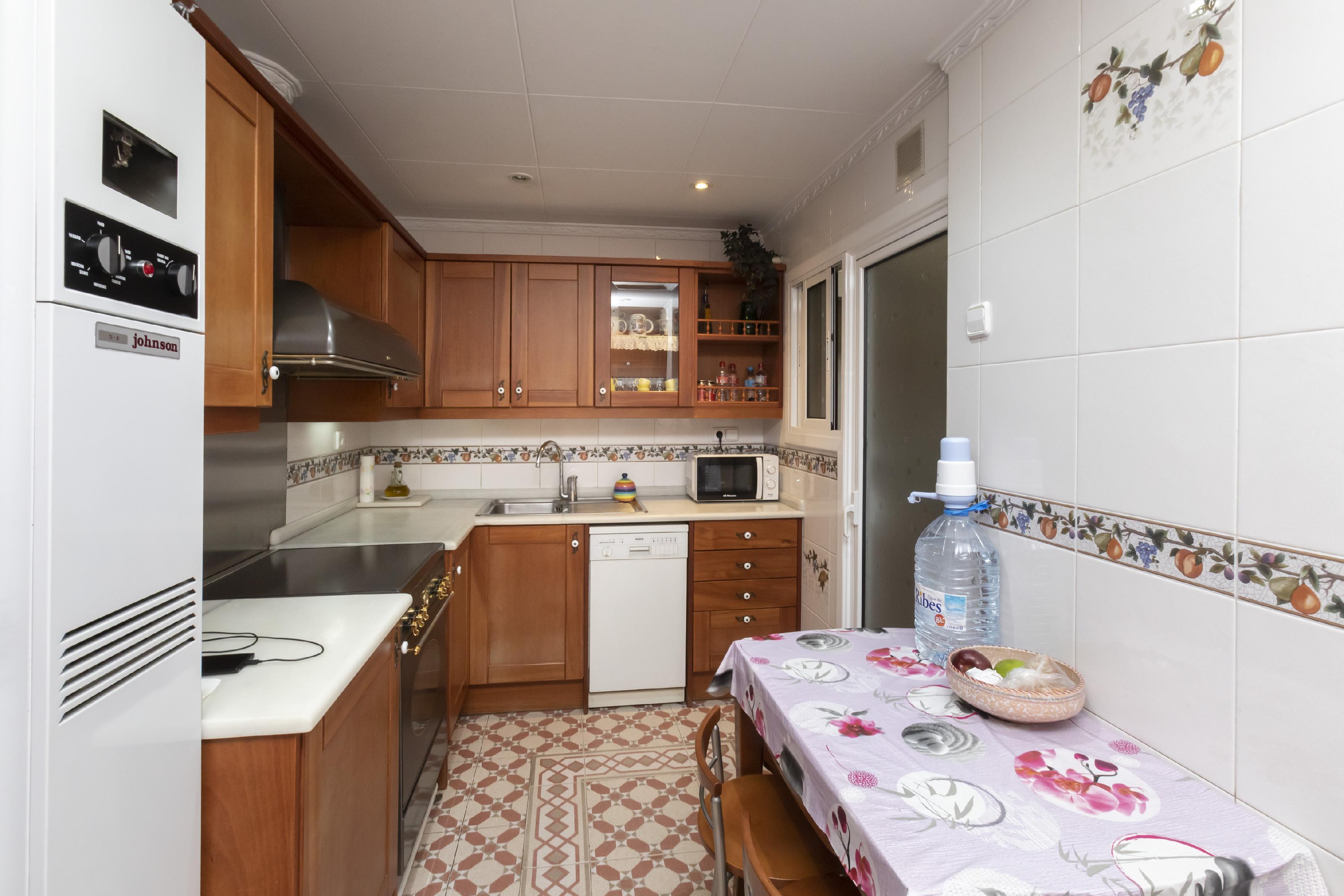 Imagen 2 Piso en venta en Barcelona / Indústria - Passeig Maragall