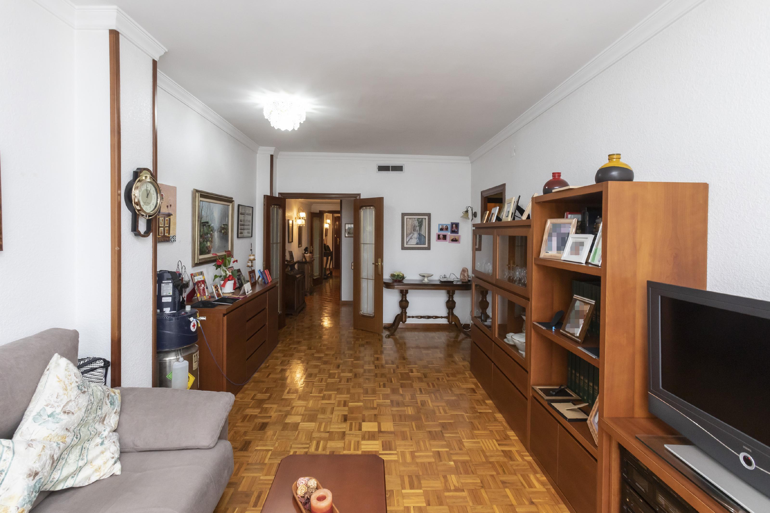 Imagen 4 Piso en venta en Barcelona / Indústria - Passeig Maragall