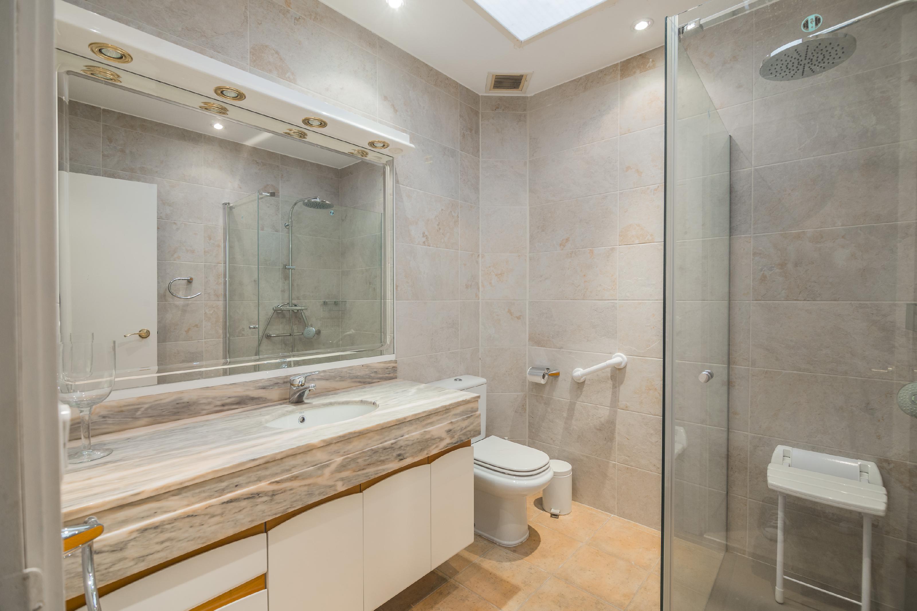 Imagen 3 Casa Pareada en venta en Barcelona / Passatge Llivia