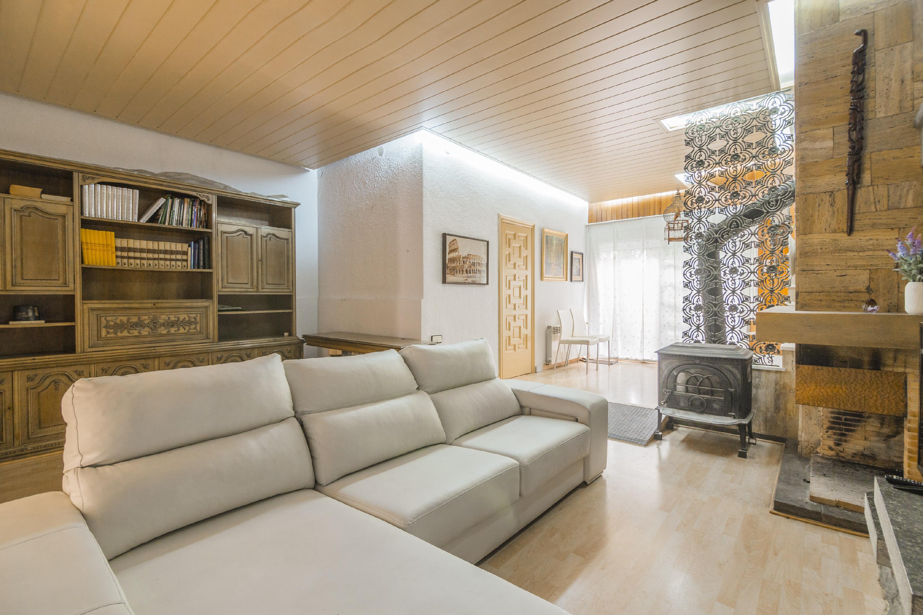 Imagen 1 Casa Pareada en venta en Barcelona / Passatge Llivia