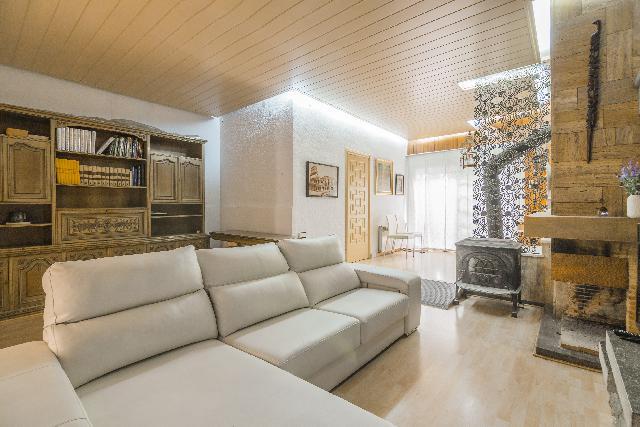 Imagen 1 Inmueble 247978 - Casa Pareada en venta en Barcelona / Passatge Llivia