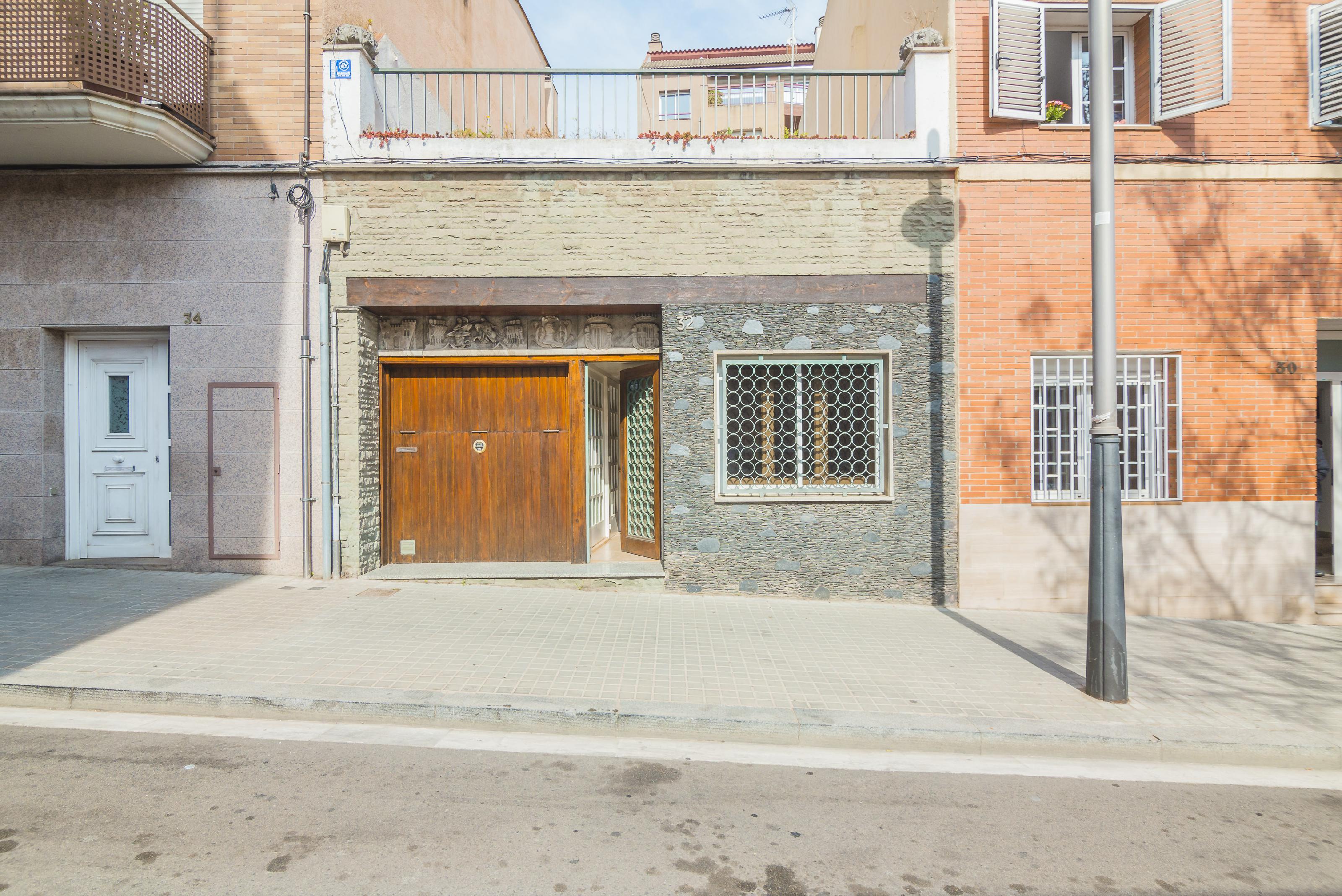 Imagen 2 Casa Pareada en venta en Barcelona / Passatge Llivia