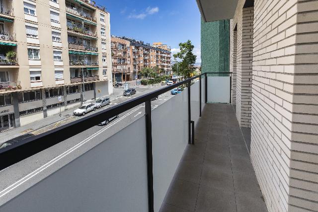Imagen 1 Inmueble 227809 - Piso en venta en Barcelona / Junto metro de Hospital Sant Pablo